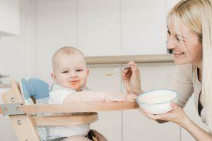 Jakich produktów unikać w diecie niemowlęcia