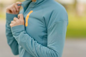 Kurtki dla osób aktywnych – jak dobrać sportowy strój na zimę
