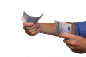 Pożyczka ratalna czy kredyt? Wyjaśniamy różnice