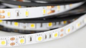Jak łączyć ze sobą taśmy LED?